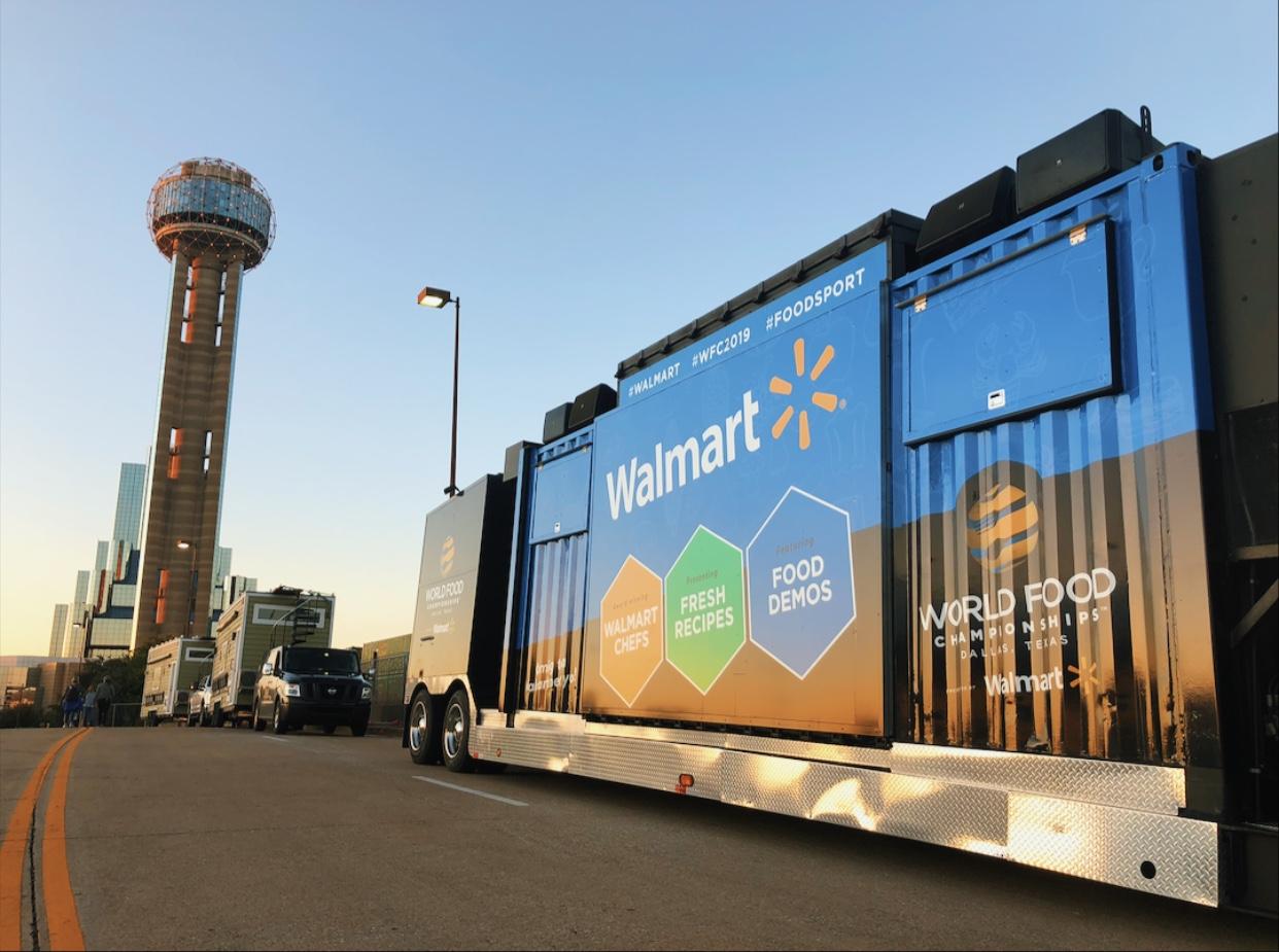 max walmart truck on road